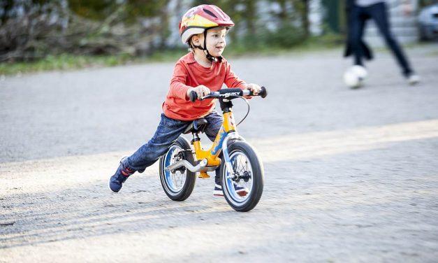 Laufrad fürs Kleinkind: Worauf beim Kauf achten?