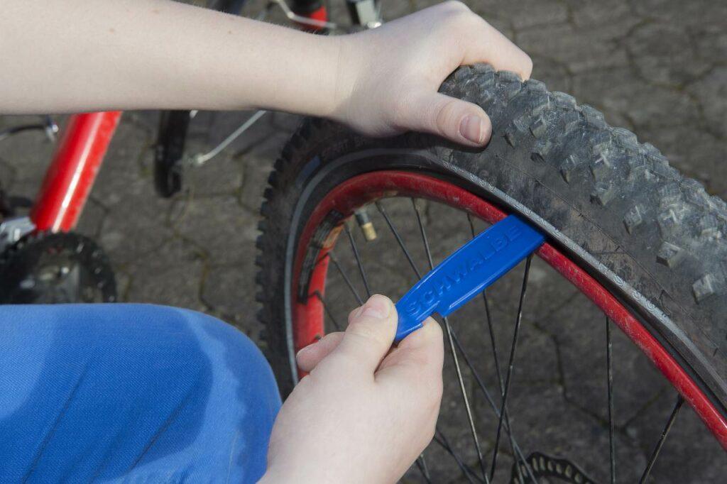 Fahrrad Werkzeug Reifenwechsel