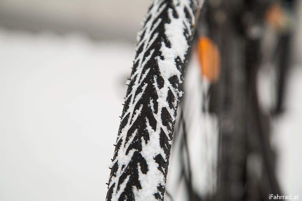 Fahrradreifen Schnee